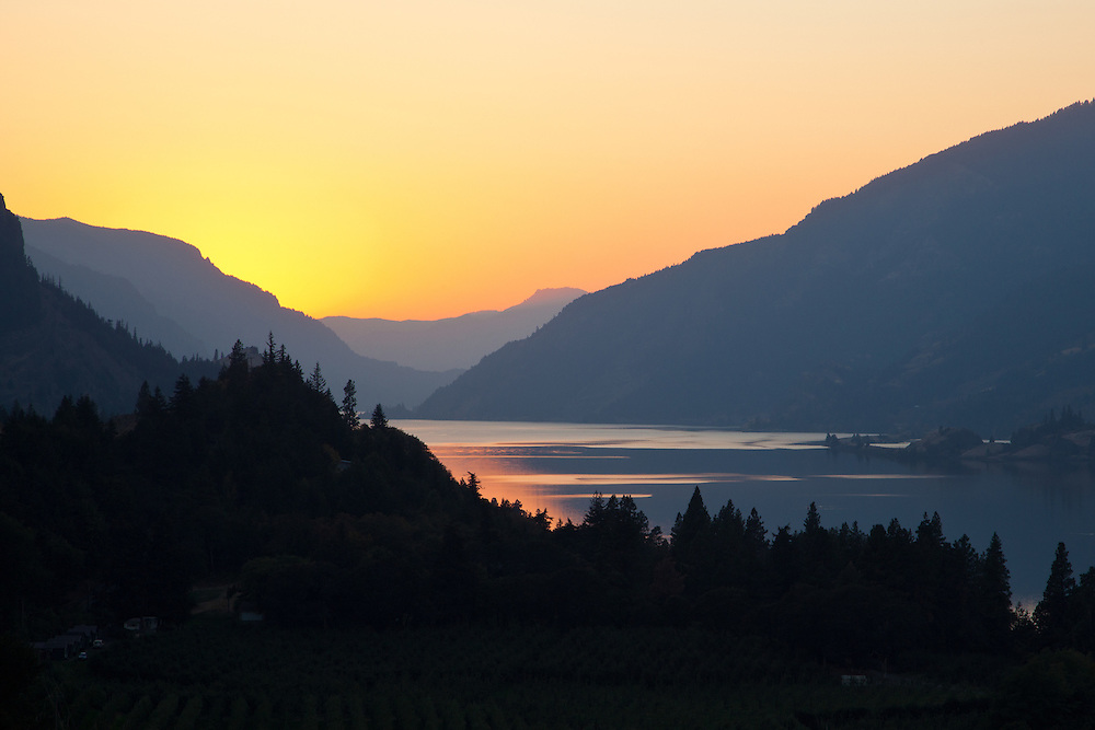 Sunset, Columbia River Gorge near Hood River, Oregon.