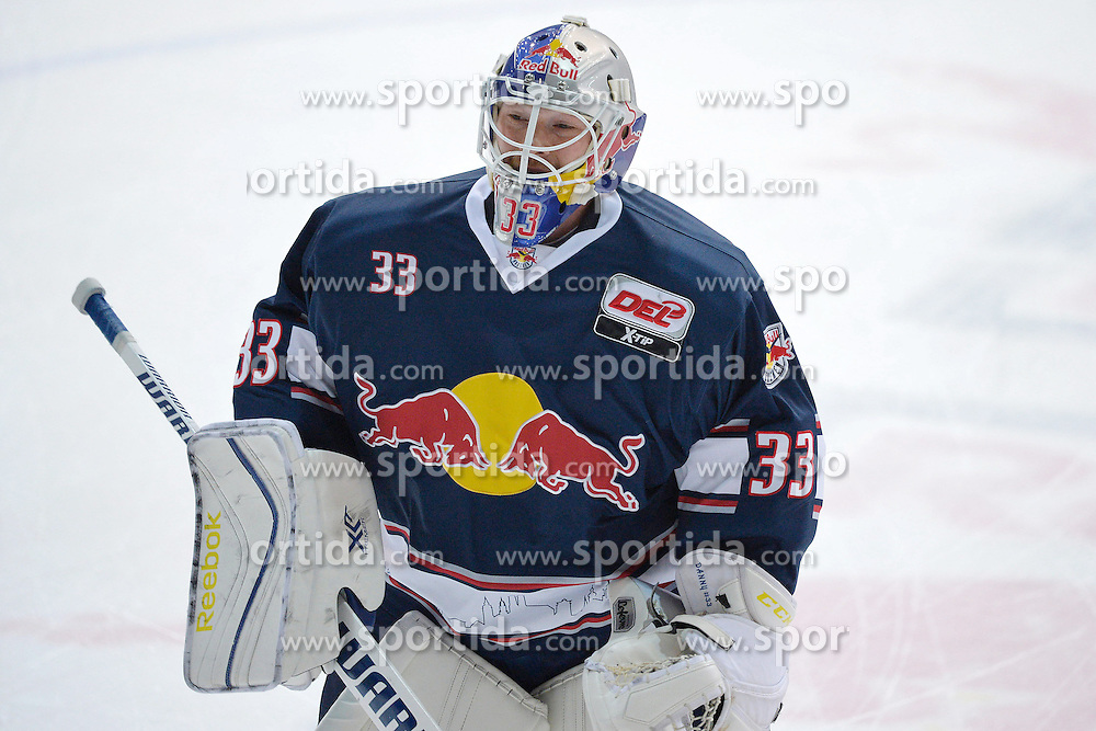 09.10.2015, Olympia-Eisstadion, Muenchen, GER, DEL, EHC Red Bull M&uuml;nchen vs Augsburger Panther, 9. Runde, im Bild Danny aus den Birken, Torhueter (EHC Red Bull Muenchen), Einzelbild, // during the German DEL Icehockey League 9th round match between EHC Red Bull M&uuml;nchen and Augsburger Panther at the Olympia-Eisstadion in Muenchen, Germany on 2015/10/09. EXPA Pictures &copy; 2015, PhotoCredit: EXPA/ Eibner-Pressefoto/ Buthmann<br /> <br /> *****ATTENTION - OUT of GER*****
