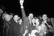 "Seán Dunphy returns to Dublin Airport from Vienna after taking second place in the Eurovision Song Contest with the song ""If I Could Choose"". Dunphy invites the thousands of fans lining the balconies at Dublin Airport to join him in singing ""If I Could Choose""..10.04.1967"