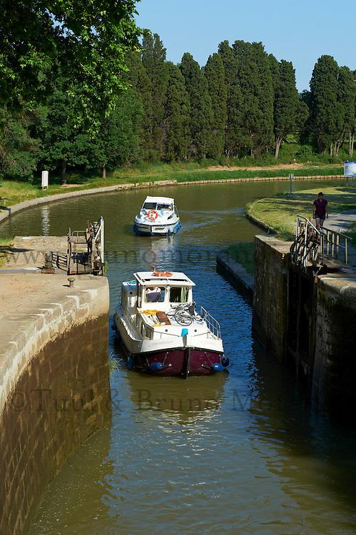 France, Aude (11), écluse d'Ognon, Canal du Midi, classé Patrimoine Mondial de l'UNESCO // France, Languedoc-Roussillon, Aude (11), Canal du Midi, lock of Ognon