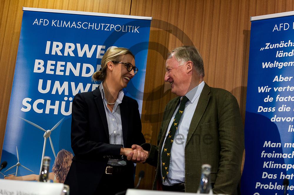 Deutschland, Berlin - 04.09.2017<br /> <br /> Der Spitzenkandidat der AfD Alexander Gauland und die Spitzenkandidatin der AfD Alice Weidel sch&uuml;tteln sich vor der beginn der Pressekonferenz die H&auml;nde. Die AfD (Alternative f&uuml;r Deutschland) stellt auf der Pressekonferenz unter dem Thema &quot;Irrweg beenden - Umwelt sch&uuml;tzen&quot; ihr Konzept f&uuml;r die Energiewende und Diesel vor.<br /> <br /> Germany, Berlin - 04.09.2017<br /> <br /> The top candidate of the Afd Alexander Gauland and the top candidate of the AfD Alice Weidel shake hands before the beginning of the press conference. The AfD (alternative for Germany) will be presenting its concept for the power generation and diesel engines at the press conference entitled &quot;Ending Irrigation - Protecting the Environment&quot;.<br /> <br />  Foto: Markus Heine<br /> <br /> ------------------------------<br /> <br /> Ver&ouml;ffentlichung nur mit Fotografennennung, sowie gegen Honorar und Belegexemplar.<br /> <br /> Bankverbindung:<br /> IBAN: DE65660908000004437497<br /> BIC CODE: GENODE61BBB<br /> Badische Beamten Bank Karlsruhe<br /> <br /> USt-IdNr: DE291853306<br /> <br /> Please note:<br /> All rights reserved! Don't publish without copyright!<br /> <br /> Stand: 09.2017<br /> <br /> ------------------------------