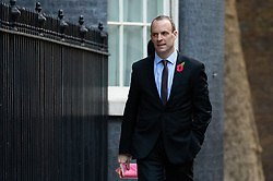 © Licensed to London News Pictures. 29/10/2018. London, UK. Secretary of State for Exiting the European Dominic Raab arriving in Downing Street for a cabinet meeting, ahead of the Chancellor of the Exchequer Philip Hammond's autumn budget statement this afternoon. Photo credit : Tom Nicholson/LNP