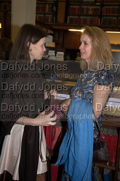 LADY SARAH CHATTO; SABRINA GUINNESS, The London Library Annual  Life in Literature Award 2013 sponsored by Heywood Hill. The London Library Annual Literary dinner. London Library. St. james's Sq. London. 16 May 2013.