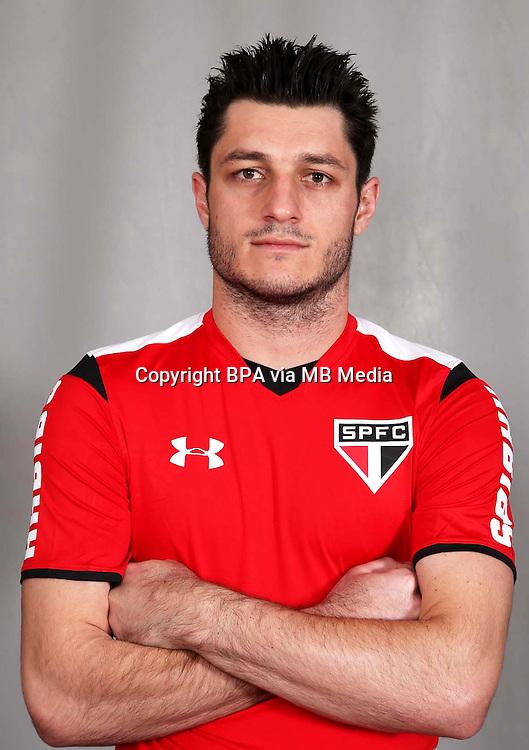 Brazilian Football League Serie A / <br /> ( Sao Paulo Football Clube ) - <br /> Denis Cesar de Matos