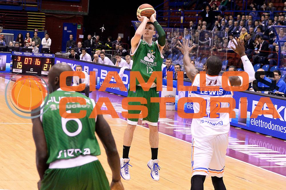 DESCRIZIONE : Milano Coppa Italia Final Eight 2014 Semifinale Montepaschi Siena Enel Brindisi<br /> GIOCATORE : Matt Janning<br /> CATEGORIA : Tiro Three Points<br /> SQUADRA : Montepaschi Siena<br /> EVENTO : Beko Coppa Italia Final Eight 2014<br /> GARA : Montepaschi Siena Enel Brindisi<br /> DATA : 08/02/2014<br /> SPORT : Pallacanestro<br /> AUTORE : Agenzia Ciamillo-Castoria/R.Morgano<br /> Galleria : Lega Basket Final Eight Coppa Italia 2014<br /> Fotonotizia : Milano Coppa Italia Final Eight 2014 Semifinale Montepaschi Siena Enel Brindisi<br /> Predefinita :