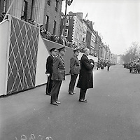 Eamon De Valera addressing crowds on O'Connell Street at the 1916 Commemorations in 1966. (Part of the Independent Newspapers Ireland/NLI Collection)
