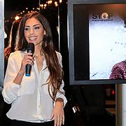 NLD/Amsterdam/20130314 - Perpresentatie Stichting Stop Kindermisbruik, Yolanthe Sneijder-Cabau van Kasbergen doet de presentatie