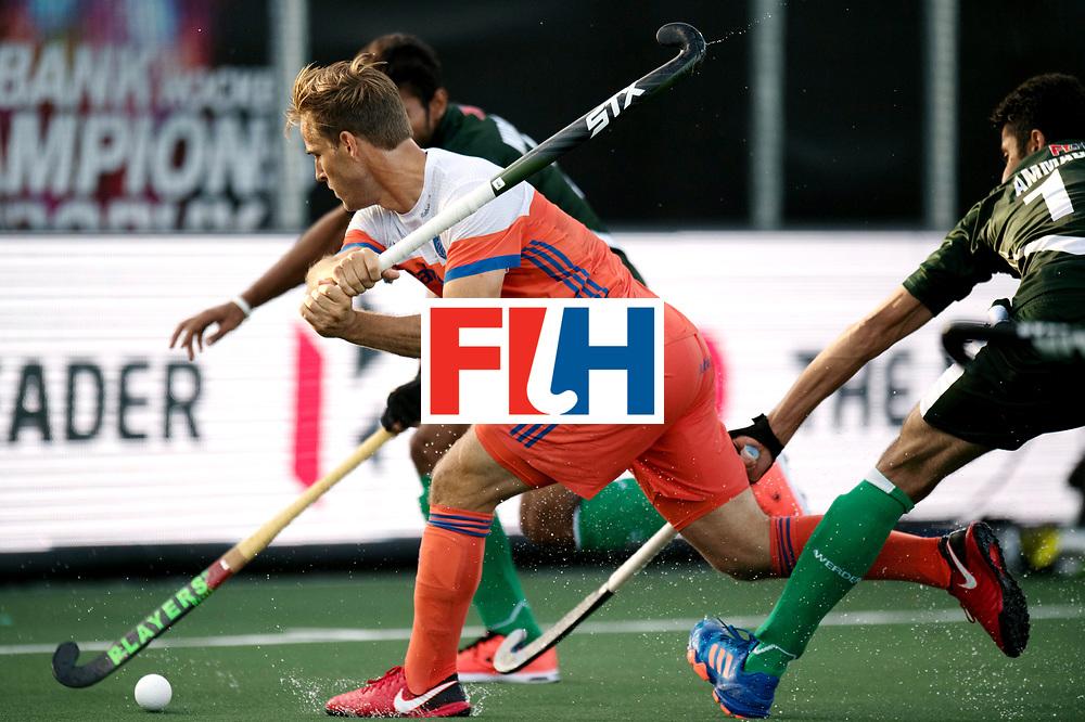 BREDA - Rabobank Hockey Champions Trophy<br /> The Netherlands - Pakistan<br /> Photo: jeroen Hertzberger.<br /> COPYRIGHT WORLDSPORTPICS FRANK UIJLENBROEK