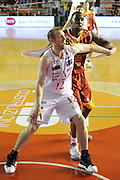 DESCRIZIONE : Roma Lega Basket A 2011-12  Acea Virtus Roma EA7 Emporio Armani Milano<br /> GIOCATORE : Mason Rocca<br /> CATEGORIA : tagliafuori<br /> SQUADRA : EA7 Emporio Armani Milano<br /> EVENTO : Campionato Lega A 2011-2012 <br /> GARA : Acea Virtus Roma EA7 Emporio Armani Milano<br /> DATA : 25/04/2012<br /> SPORT : Pallacanestro  <br /> AUTORE : Agenzia Ciamillo-Castoria/ GiulioCiamillo<br /> Galleria : Lega Basket A 2011-2012  <br /> Fotonotizia : Roma Lega Basket A 2011-12 Acea Virtus Roma EA7 Emporio Armani Milano <br /> Predefinita :