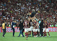 2019-11-27 Soccer game of Rio de Janeiro, Brazil, between the teams of Flamengo and Ceará, validated by the Brazilian Football Championship. In phototechnical Jorge Jesus do Flamengo is thrown up by Flamengo players Photo by André Durão / Swe Press Photo
