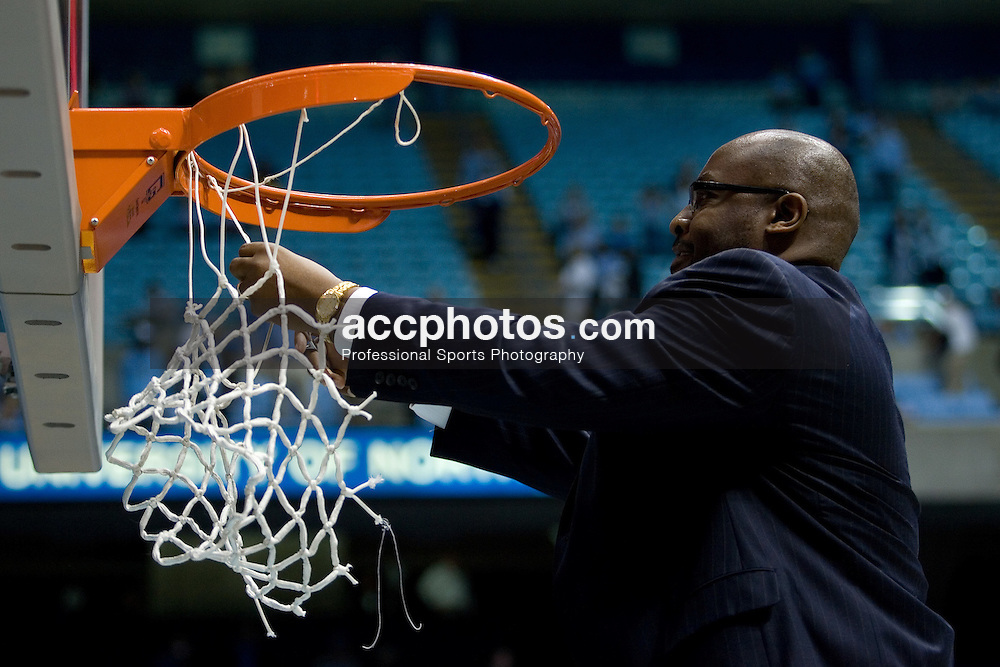 04 March 2007: North Carolina Tar Heels assistant coach Steve Robinson during a 86-72 Duke Blue Devils loss to the North Carolina Tar Heels, in the Dean E. Smith Center in Chapel Hill, NC.