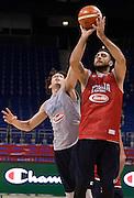 DESCRIZIONE : Berlino EuroBasket 2015 - allenamento<br /> GIOCATORE : Pietro Aradori<br /> CATEGORIA : allenamento<br /> SQUADRA : Italia Italy<br /> EVENTO : EuroBasket 2015<br /> GARA : Berlino EuroBasket 2015 - allenamento<br /> DATA : 03/09/2015<br /> SPORT : Pallacanestro<br /> AUTORE : Agenzia Ciamillo-Castoria/R.Morgano<br /> Galleria : FIP Nazionali 2015<br /> Fotonotizia : Berlino EuroBasket 2015 - allenamento