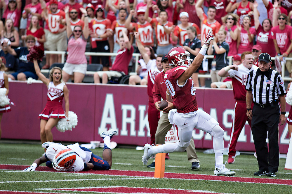 FAYETTEVILLE, AR - SEPTEMBER 5:  Drew Morgan #80 of the Arkansas Razorbacks signals to the crowd after catching a pass for a touchdown during a game against the UTEP Miners at Razorback Stadium on September 5, 2015 in Fayetteville, Arkansas.  (Photo by Wesley Hitt/Getty Images) *** Local Caption *** Drew Morgan