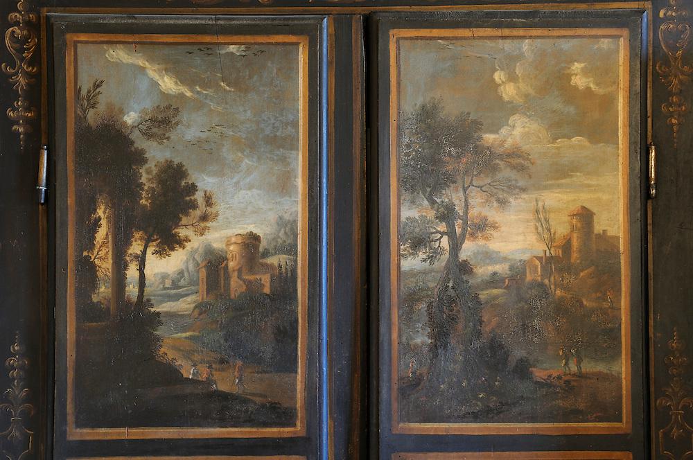 France,Languedoc Roussillon, Gard (30), Uzège, Uzès, armoire peinte d'Uzès, XVIIIeme, propriété du musée municipal