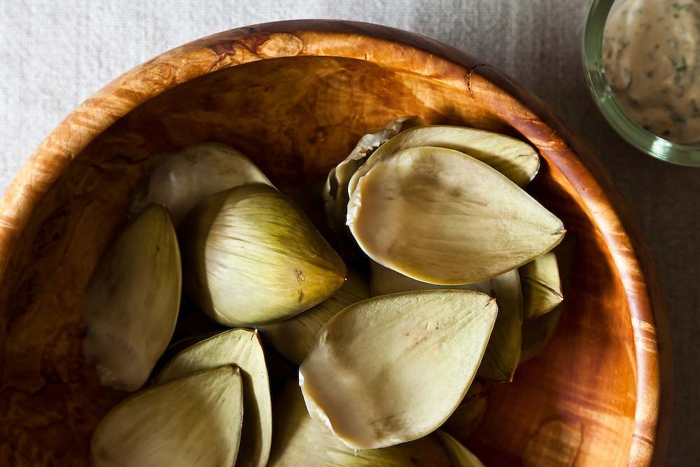 overhead, nobody, artichokes, leaves, snacks, hor d'oeuvres, party, wooden bowl