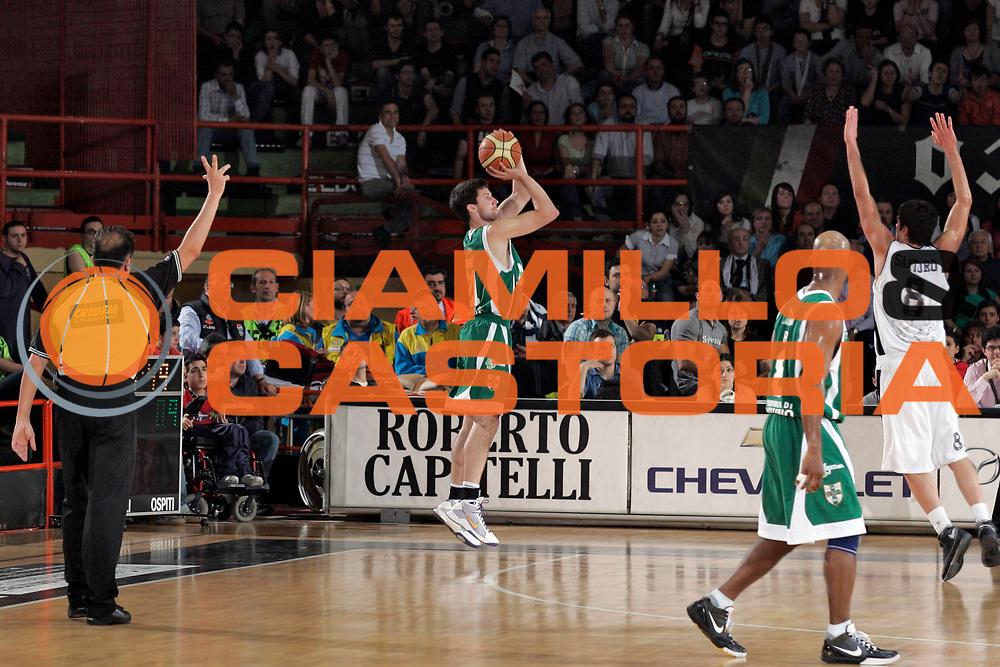 DESCRIZIONE : Caserta Lega A 2008-09 Eldo Caserta Air Avellino<br /> GIOCATORE : Drake Diener<br /> SQUADRA : Air Avellino<br /> EVENTO : Campionato Lega A 2008-2009 <br /> GARA : Eldo Caserta Air Avellino<br /> DATA : 10/05/2009<br /> CATEGORIA : tiro three points<br /> SPORT : Pallacanestro <br /> AUTORE : Agenzia Ciamillo-Castoria/A.De Lise<br /> Galleria : Lega Basket A1 2008-2009<br /> Fotonotizia : Caserta Campionato Italiano Lega A 2008-2009 Eldo Caserta Air Avellino<br /> Predefinita :