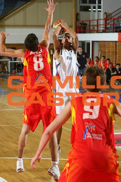 DESCRIZIONE : Amaliada Grecia Greece Campionati Europei Under 18 European Championship Under 18 UMCOR Semifinal Spain-France<br /> GIOCATORE : Batum<br /> SQUADRA : Spain Spagna France Francia<br /> EVENTO : Amaliada Grecia Campionati Europei Under 18 European Championship Under 18 UMCOR Semifinal Spain-France<br /> GARA : Spagna Francia Spain France<br /> DATA : 26/07/2006 <br /> CATEGORIA :<br /> SPORT : Pallacanestro <br /> AUTORE : Agenzia Ciamillo-Castoria/E.Castoria<br /> Galleria : Fiba Europe 2006<br /> Fotonotizia : Amaliada Grecia Greece Campionati Europei Under 18 European Championship Under 18 UMCOR Semifinal Spain-France<br /> Predefinita :