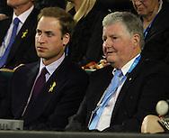 Australien, Melbourne, Sport, Tennis, Grand Slam Tournament, Melbourne Park, Australian Open 2010,..Prince William neben Tennis Australia Praesident Geoff Pollard (Rechts) auf der VIP Tribuene...Foto: Juergen Hasenkopf..