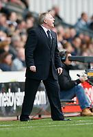 Photo: Steve Bond.<br />Derby County v Bolton Wanderers. The FA Barclays Premiership. 29/09/2007. Sammy Lee gives instructions