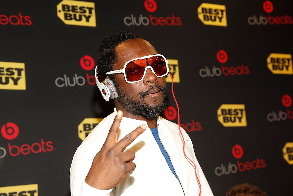 NEW YORK - NOVEMBER 19:  Black Eyed Peas frontman Will.i.am attends the Club Beats launch party at Best Buy Union Square on November 19, 2009 in New York City.  (Photo by Joe Kohen/Getty Images for Best Buy)