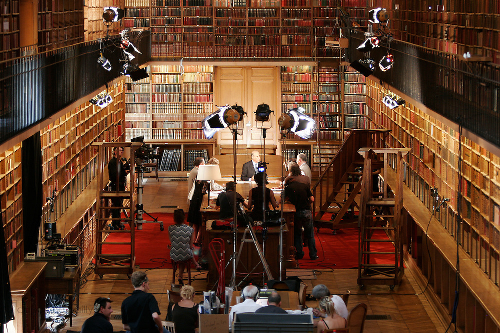 """Library of the Senat - Paris, France..July 4th 2006..Jean Pierre Elkabbach, the President of the French TV channel """"Public Senat"""", during the emission """"Bibliotheque Medicis""""."""