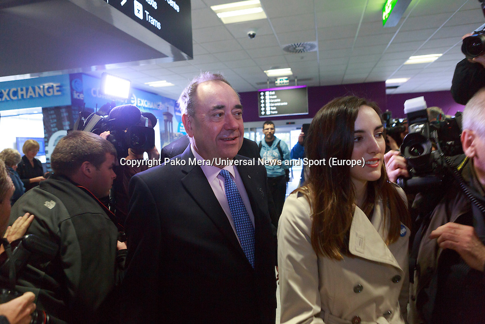 Alex Salmond inside of the Edinburgh Airport.<br /> Pro-independence business leaders gather.  Brian Souter of Stagecoach, Marie MacKlin of Klin Group, Ralph Topping, former chief executive of William Hill, and Mohammed Ramzen, of United Wholesalers. Welcome to Scotland sign, International Arrivals, Edinburgh Airport.<br /> Pako Mera/Universal News And Sport (Europe) 15/09/2014