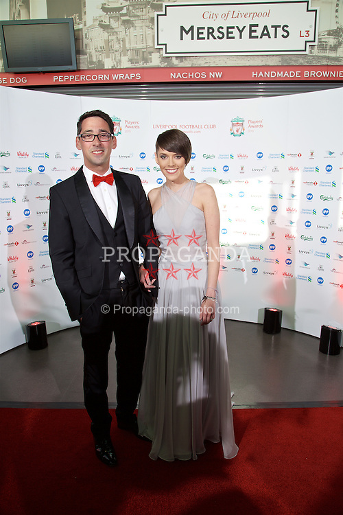 LIVERPOOL, ENGLAND - Tuesday, May 19, 2015: Radio broadcaster Colin Murray and Liverpool TV presenter Claire Rourke arrive on the red carpet for the Liverpool FC Players' Awards Dinner 2015 at the Liverpool Arena. (Pic by David Rawcliffe/Propaganda)