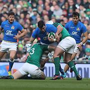 Dublino 10/02/2018 Aviva Stadium<br /> Natwest 6 nations 2018<br /> Irlanda v Italia<br /> Sebastian Negri placcato da Robbie Henshaw e Rory Best