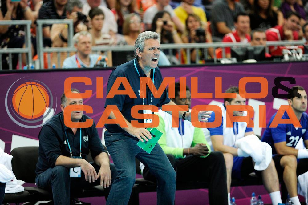 DESCRIZIONE : Handball Jeux Olympiques Londres Demi finale<br /> GIOCATORE : Onesta Claude FRA<br /> SQUADRA : France Homme<br /> EVENTO : Jeux Olympiques<br /> GARA : France Croatie<br /> DATA : 10 08 2012<br /> CATEGORIA : Basketball Jeux Olympiques<br /> SPORT : Handball<br /> AUTORE : JF Molliere <br /> Galleria : France JEUX OLYMPIQUES 2012 Action<br /> Fotonotizia : Jeux Olympiques Londres demi Finale <br /> Predefinita :
