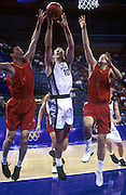 Tall Blacks forward Ralph Lattimore in action during the basketball match between New Zealand and China at the Olympic Games, Sydney Australia, 2000. Photo: PHOTOSPORT<br />
