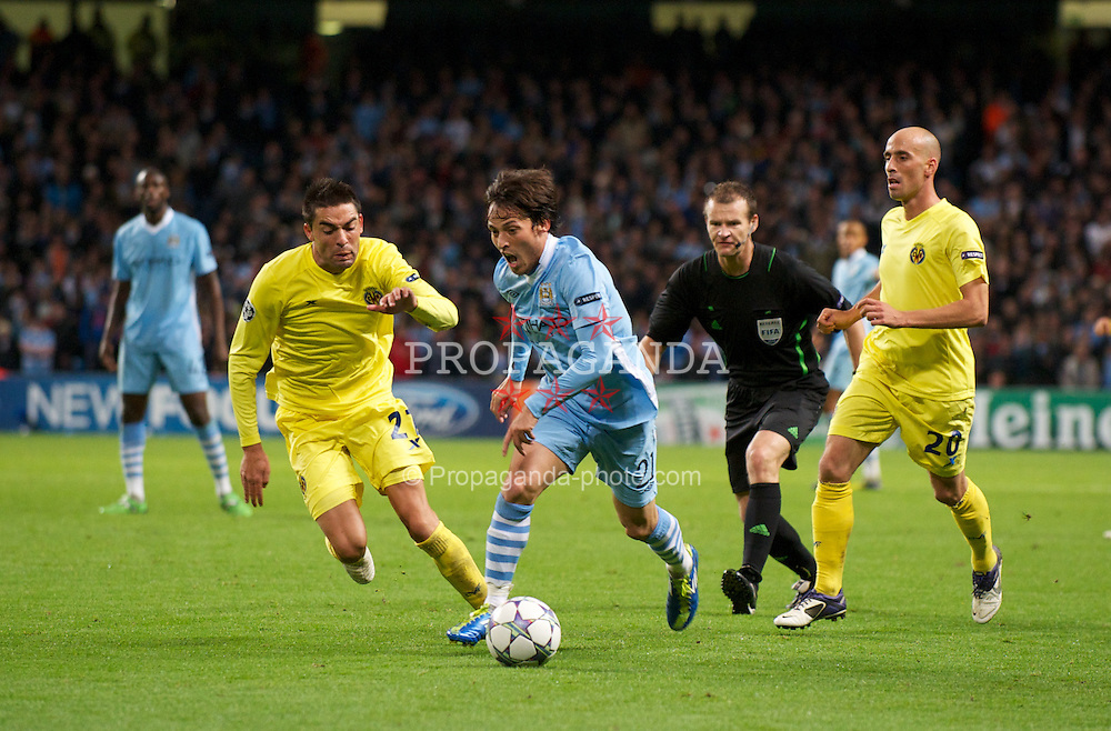 MANCHESTER, ENGLAND - Tuesday, Octover 18, 2011: Manchester City's David Silva in action against Villarreal CF during the UEFA Champions League Group A match at the City of Manchester Stadium. (Pic by David Rawcliffe/Propaganda)