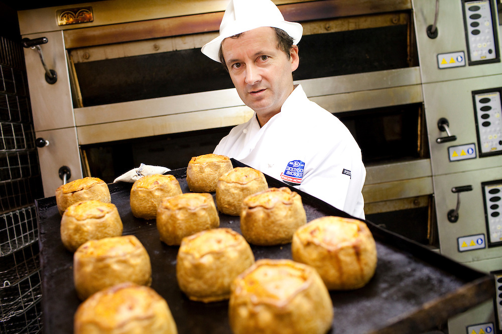 Stephen hallam demonstrates the process of making a Dickinson and Morris Pork Pie. Ye Olde Pork Pie Shoppe, Melton Mowbray