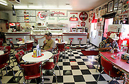 "US-WILLIAMS: Twisters, a ""diner"" in fifties style along the famous Route 66.  PHOTO: GERRIT DE HEUS"