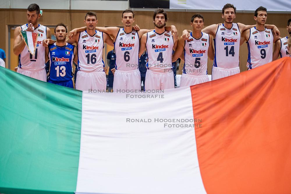 18-08-2017 NED: Oefeninterland Nederland - Italië, Doetinchem<br /> De Nederlandse volleybal mannen spelen hun eerste oefeninterland van twee in SaZa topsporthal tegen Italie als laatste voorbereiding op het EK in Polen / Team Italie