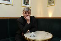 20 MAR 2003, BERLIN/GERMANY:<br /> Joschka Fischer, B90/Gruene, Bundesaussenminister, waehrend einem Interview, Cafe am Schiffbauerdamm<br /> Joschka Fischer, Green Party, Minister of foreign affairs, during an interview<br /> IMAGE: 20030320-01-023
