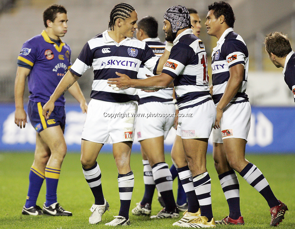Sam Tuitupou is congratulated by Tasesa Lavea during the Air NZ Cup week 9 rugby match between Auckland and Otago at Eden Park, Auckland, New Zealand on Saturday 23 September, 2006. Auckland won the match 48-7. Photo: Hannah Johnston/PHOTOSPORT<br />