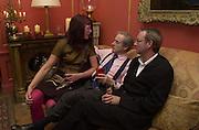 Janet Street-Porter, Harry Evans and Michael Birt. Tina Brown CBE and Birthday party hosted by Sally Greene. Cheyne Walk. London 21 November 2000. © Copyright Photograph by Dafydd Jones 66 Stockwell Park Rd. London SW9 0DA Tel 020 7733 0108 www.dafjones.com