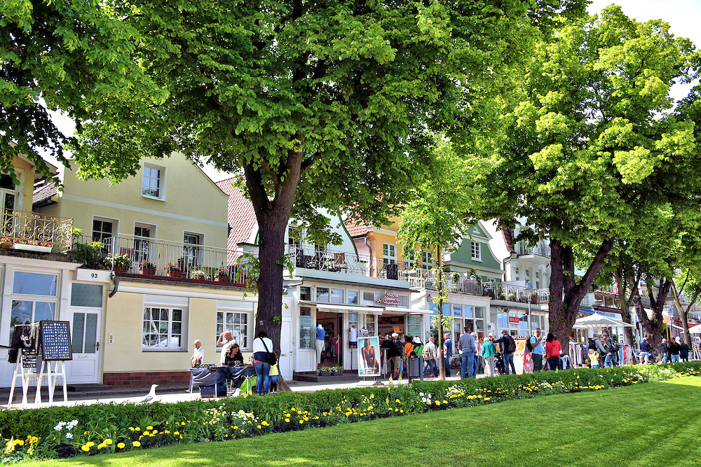 Am Strom Promenade along Alte Strom in Warnem&uuml;nde, Germany<br />