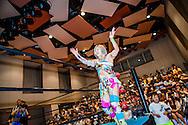 Japanska proffswrestlern Nanae Takahashi tar emot publikens ovationer inf&ouml;r kv&auml;llens match i Hakata, Japan. Hon innehar flera v&auml;rldsm&auml;startitlar och har brottats f&ouml;r All Japan Women's Pro-Wrestling och Pro Wrestling Sun<br /> <br /> Nanae Takahashi is recieveing ovations from the audience before the wrestling match in Hakata, Japan. Nanae Takahashi is a Japanese professional wrestler. She has wrestled for prominent Japanese promotions All Japan Women's Pro-Wrestling and Pro Wrestling Sun, and has held multiple world championships.
