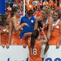 DEN HAAG - Rabobank Hockey World Cup<br /> 38 Final: Netherlands - Australia<br /> Netherlands world champion.<br /> Foto: Naomi van As and Ellen Hoog.<br /> COPYRIGHT FRANK UIJLENBROEK FFU PRESS AGENCY