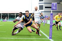 Josh Adams of Worcester Warriors challenges for the ball with Taku Ngwenya of Brive - Mandatory by-line: Dougie Allward/JMP - 22/10/2016 - RUGBY - Sixways Stadium - Worcester, England - Worcester Warriors v Brive - European Challenge Cup