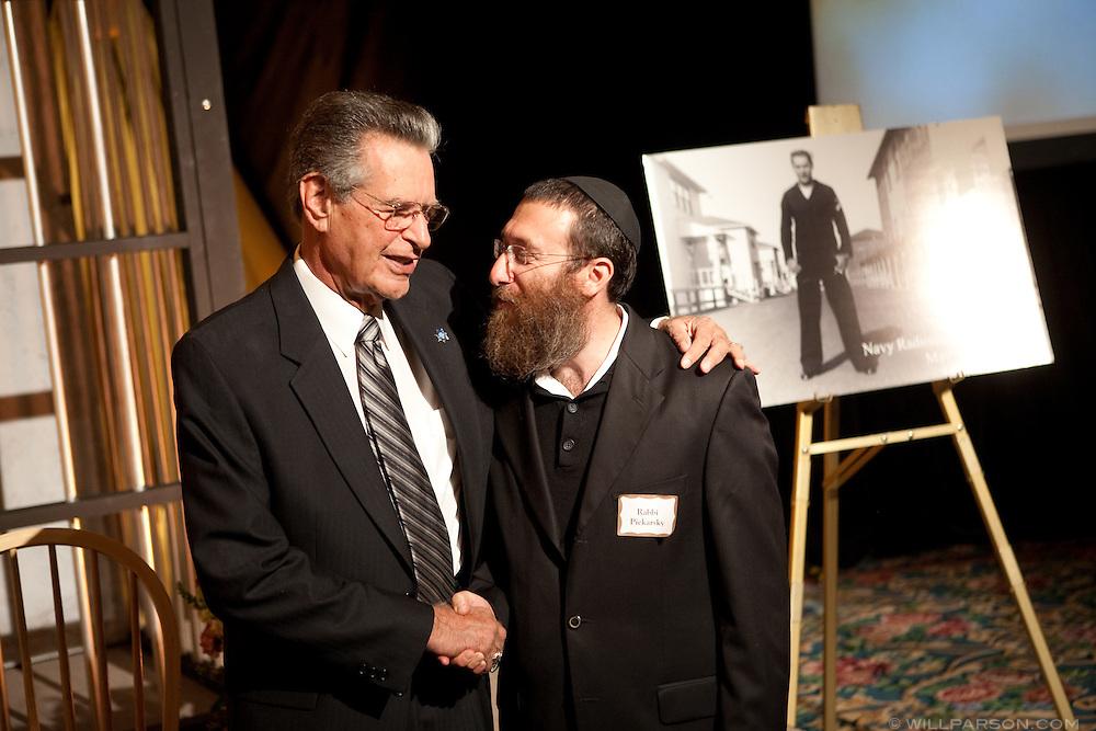 Bill Kolender and Rabbi Piekarsky