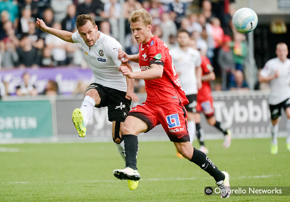 ÖREBRO, SWEDEN - MAY 22: Logi Valgardsson of Örebro SK & Sebastian Andersson of IFK Norrköping during the allsvenskan match between Örebro SK and IFK Norrköping at Behrn Arena on May 22, 2016 in Örebro, Sweden. Foto: Pavel Koubek/Ombrello