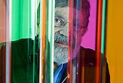 Retrato del Maestro Cruz Diez  durante su exposición, El color, una circunstancia espacial y temporal.<br /> Nacido en Venezuela y radicado desde hace muchos años en París, es uno de los fundadores y máximos exponentes del arte cinético<br /> Marión Gallery, Ciudad de Panamá. Abril 27, 2010<br /> Ramon  Lepage / Istmophoto