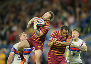 Jordan Rankin of Huddersfield Giants catches the high ball against of Wakefield Trinity during the Betfred Super League Super 8's match at the John Smiths Stadium, Huddersfield<br /> Picture by Stephen Gaunt/Focus Images Ltd +447904 833202<br /> 31/08/2018