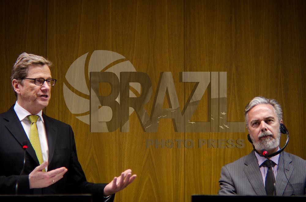 BRASÍLIA, DF, 13 DE FEVEREIRO DE 2012 - BRASÍLIA/DF - O Ministro das Relações Exteriores, Antonio de Aguiar Patriota, e o Ministro das Relações Exteriores da Alemanha, Guido Westerwelle, concederam entrevista coletiva no Palácio do Itamaraty na tarde desta segunda (13) em Brasília.  (FOTO: PEDRO FRANÇA / NEWS FREE)