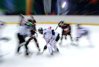 Eishockey Nationalmannschaft :  Saison   2009/2010     08.11.2009 Deutschland Cup , GER - SUI ,  Schweiz Allgemein , Zweikampf