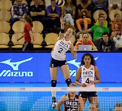 01-06-2014 NED:  Vriendschappelijk Nedeland - Belgie, Eindhoven<br /> Nederland wint met 3-2 van Belgie / Femke Stoltenborg
