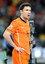 11-07-2010 VOETBAL: FIFA WK FINALE NEDERLAND - SPANJE: JOHANNESBURG<br /> Mark van Bommel<br /> EXPA Pictures © 2010 EXPA/ InsideFoto/ Perottino - ©2010-WWW.FOTOHOOGENDOORN.NL<br /> *** ATTENTION *** FOR NETHERLANDS USE ONLY!