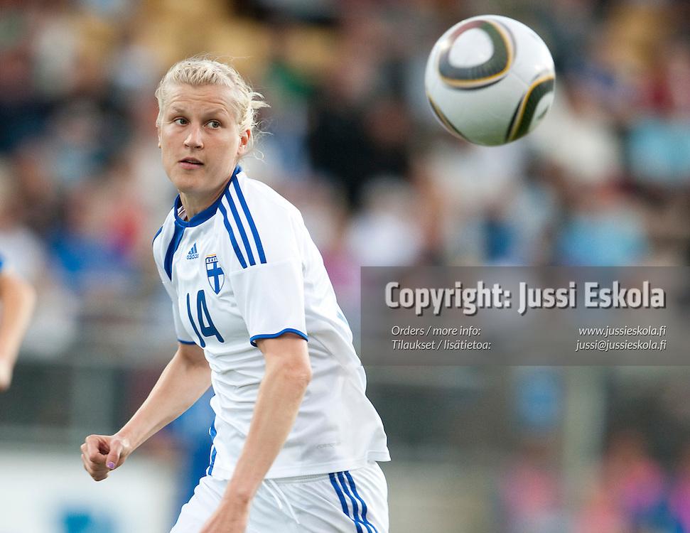 Sanna Talonen. Suomi - Italia. MM-karsintaottelu. Naiset. Vantaa. 23.6.2010. Photo: Jussi Eskola